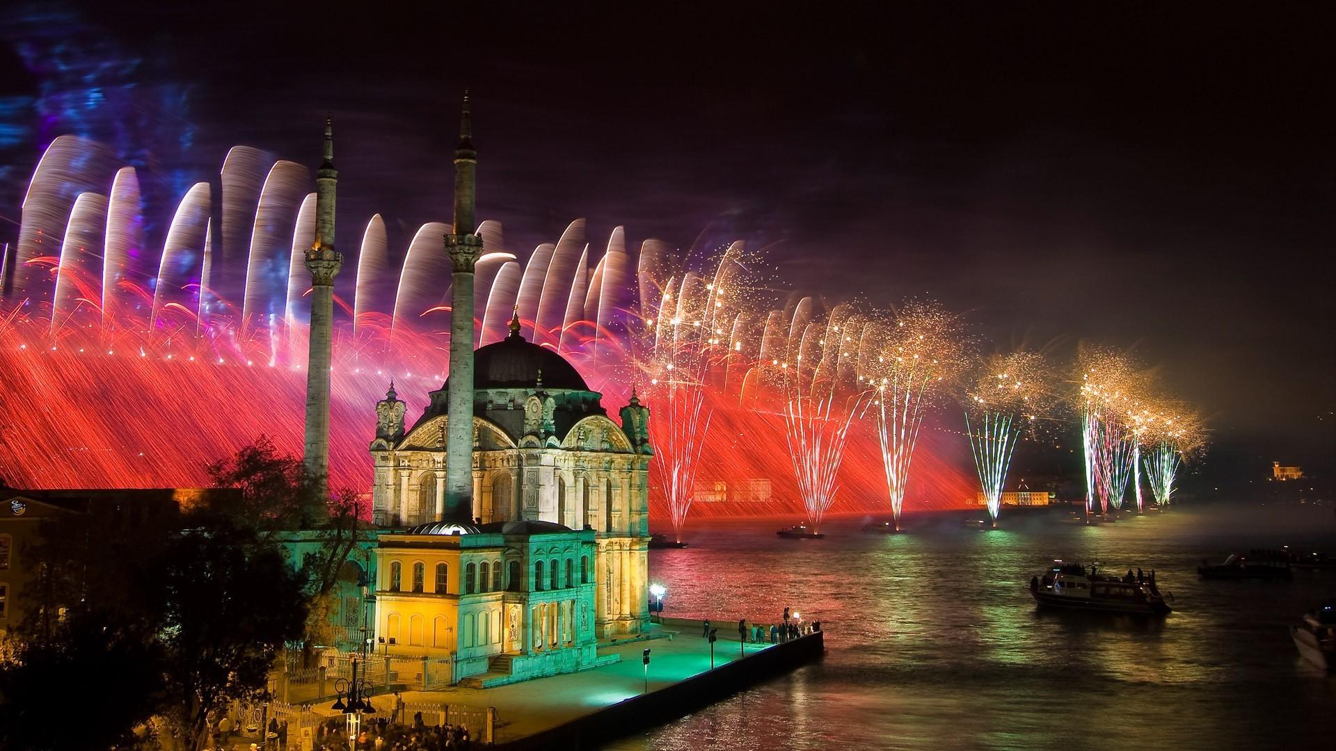 havai-fisek-gosterisi-ortakoy-istanbul